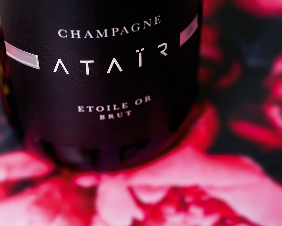 Ataïr is a celebration of love.